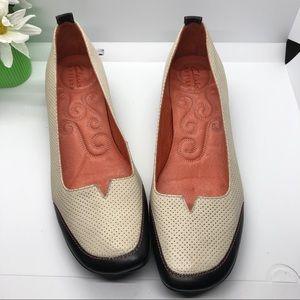 Clark's Artisan black and cream shoes